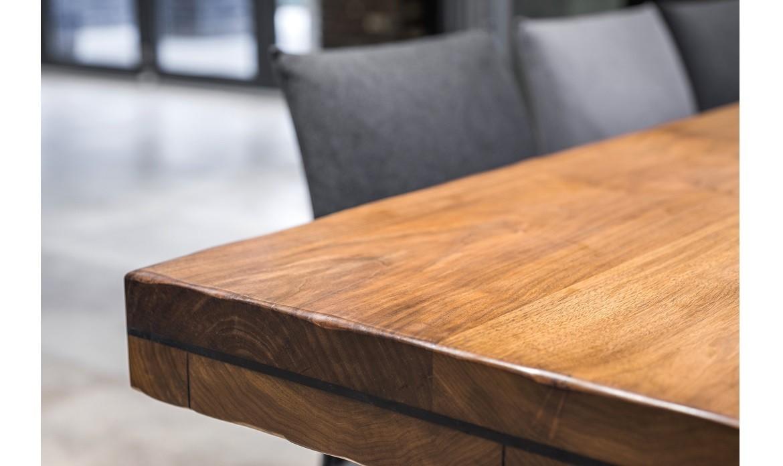 Meble z drewna - jakie gatunki są wykorzystywane do ich produkcji?