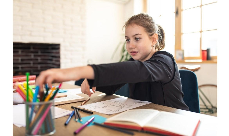 Na co zwrócić uwagę przy wyborze biurka dla dziecka?